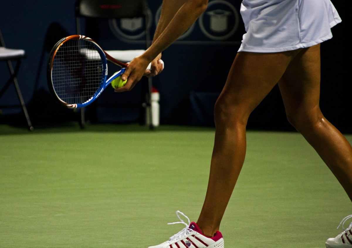 Question santé : Peut-on jouer au tennis enceinte ?